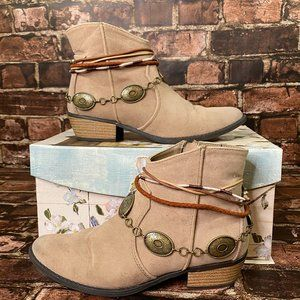 Qupid Southwest Style Ankle Boots